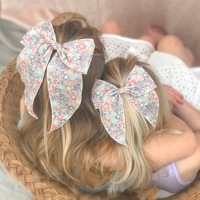 Little Love Prairie style, Liberty London Michelle floral bow hair clip, Liberty floral print cotton bow hair clips for little girls, floral print cotton bow hair clips, liberty hair accessories, liberty print hair bows, uk handmade hair bows, oversize liberty fabric bow hair clips, liberty tana lawn hair bows