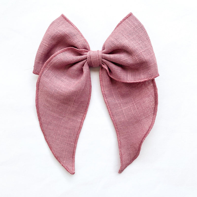 Little Love linen bow hair clips in mauve for girls, plain mauve linen bow hair clips, mauve linen hair bow, purple linen hair bow, mauve linen hair bow, purple linen hair clip bow, little love handmade hair bows, oversize bow hair clips, girls hair bows, hair bows for girls in linen, children's hair accessories UK, hair accessory UK