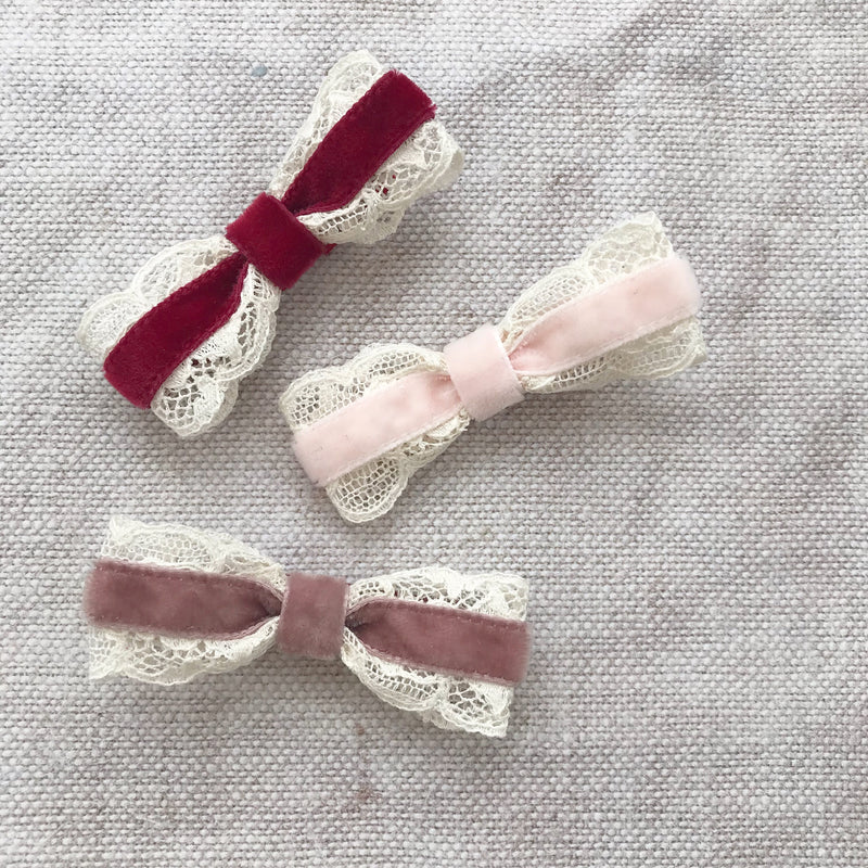 VICTORIANA Mini Velvet Bow Hair Clips/ Vintage