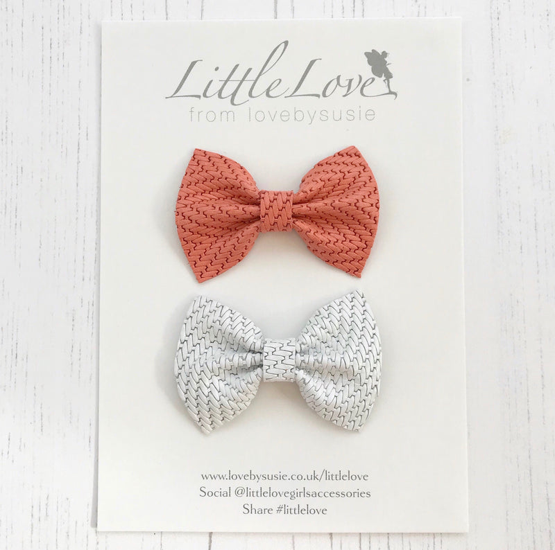 VALLI Leather Bow Set / Coral & White