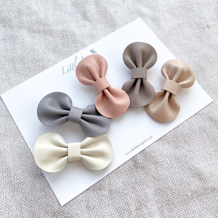 NEUTRALS Set of Mini Leather Bow Clips