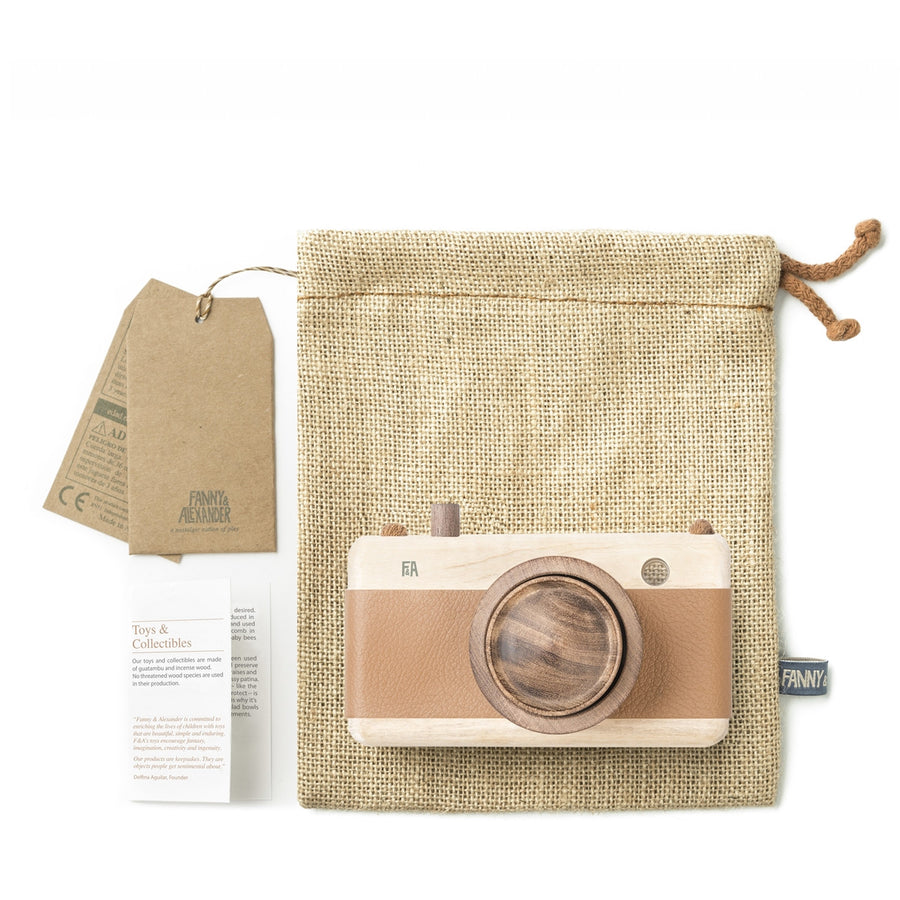 Fanny & Alexander Wooden Toy Camera in Hazelnut