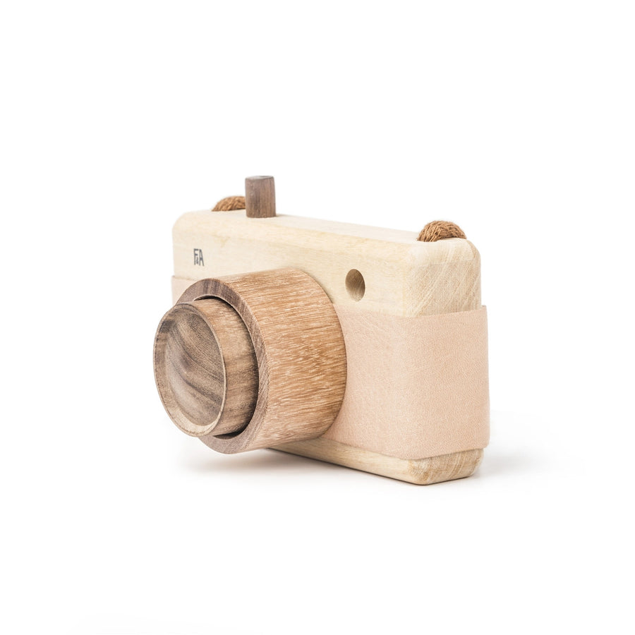 Fanny & Alexander Wooden Toy Camera in Pink