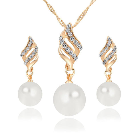 NECKLACE AND EARRINGS - CRYSTAL - SIMULATED PEARL SET