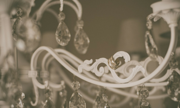 7 Useful Tips to Consider When Buying a Chandelier-Luxury Lighting Boutique