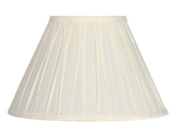20cm Cream Polysilk Pinch Pleat Shade