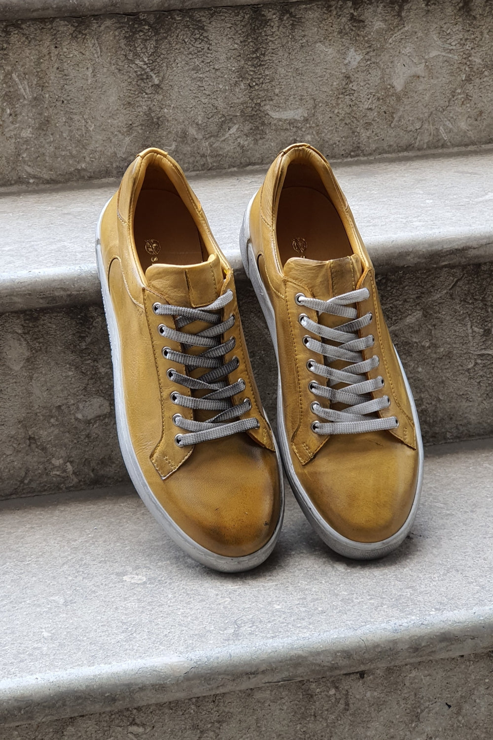 Golden Winner Lace-up Sneakers