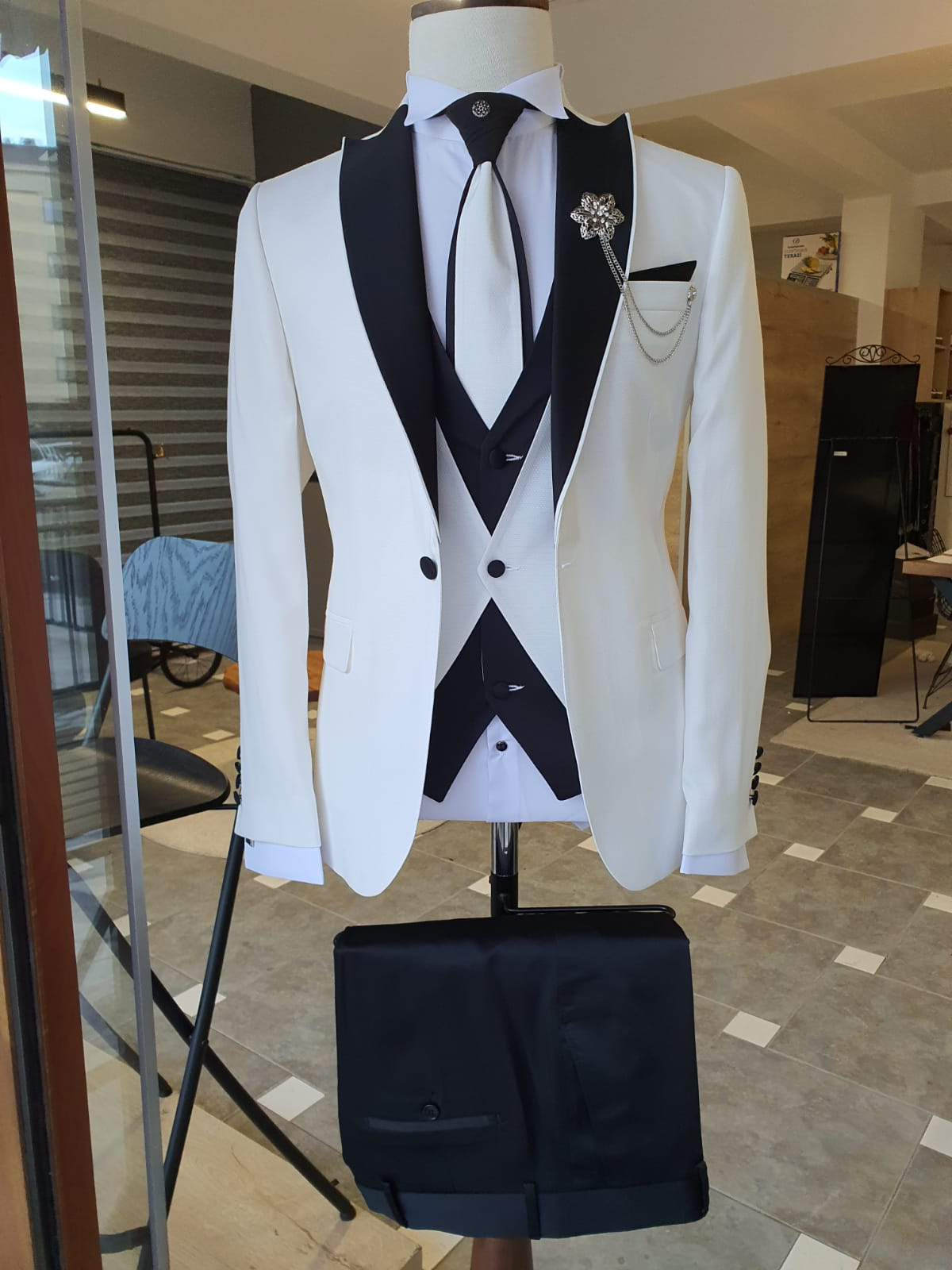 Lori White Slim Fit Peak Lapel Wedding Suit