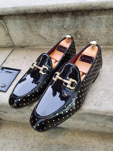 Shelton Buckle Detailed Black Leather Shoes