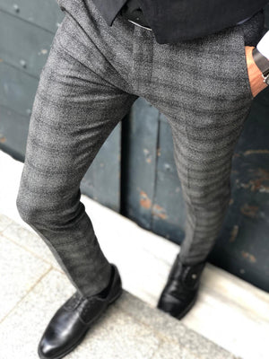 Bakki Slim-Fit Plaid Pants in Black