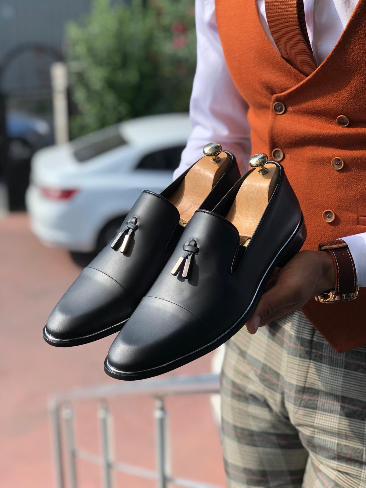 Tassels Classic Shoes Matte Black