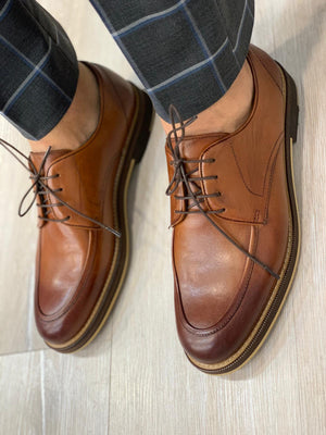 Marc Limited Shoes in Brown
