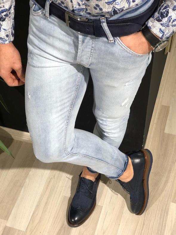 Heritage Ripped Blue Jeans