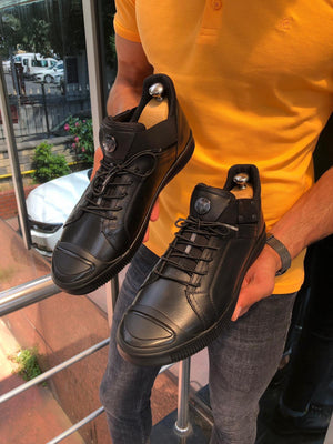 Ringging Detail Laced Sports Shoes Black