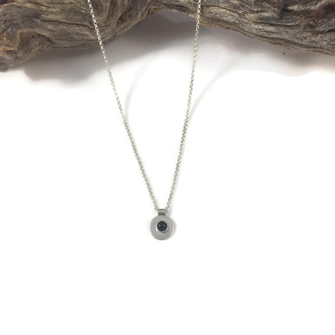 Simple Cabochon Stone Necklace