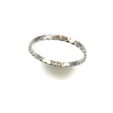Twisted Flat Wire Ring
