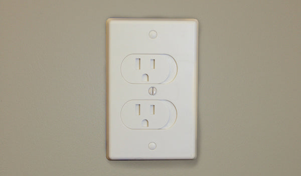 Qdos Universal Self-Closing Outlet Cover 3 pack White