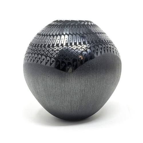 Pottery Black Mata Ortiz Small
