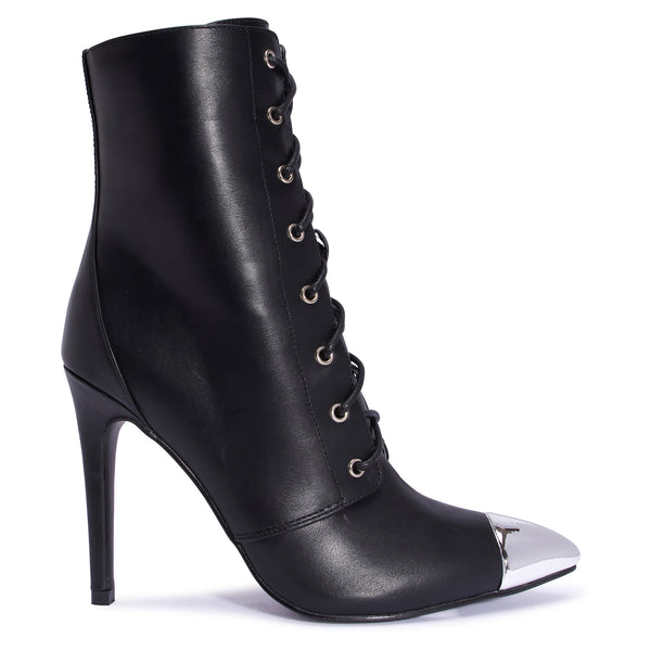 DOLLY ankle boots
