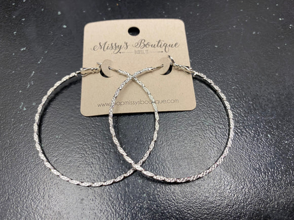 Zandy Thin Hoops