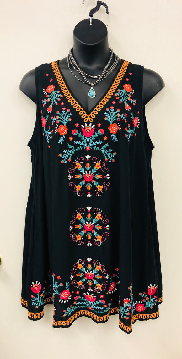 Sandi Embroidered Black Dress -Curvy