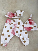 """Worth The Wait"" Newborn Girl Coming Home Outfit - My Modern Kid"