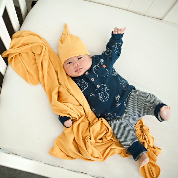 Stevie Knit Blanket + Beanie Set