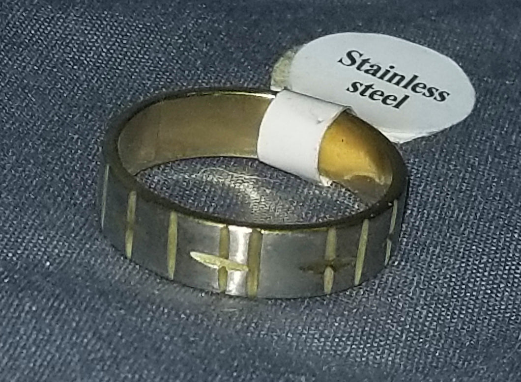 Gold Cross/X Ring Size 8