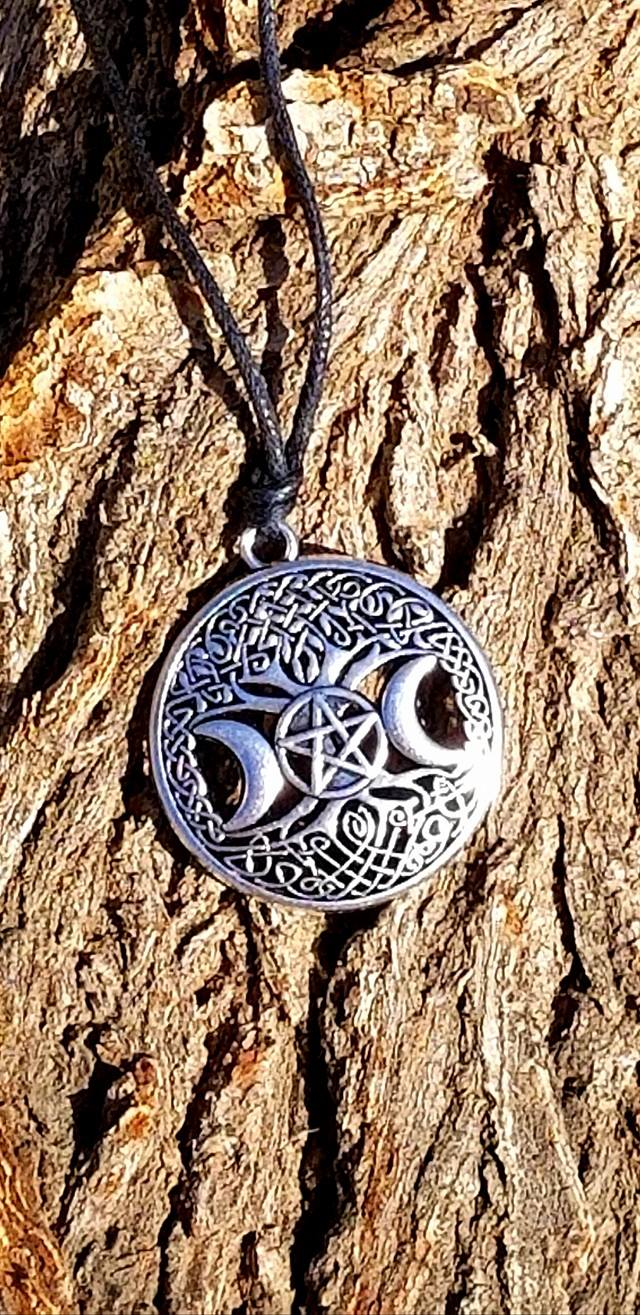Celtic Wiccan Knowledge Tree Pentagram Necklace