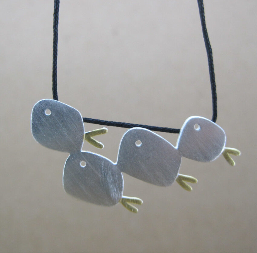 Lovely 925 Silver Swimming Fish Pendant Necklace