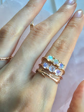 Trinity Ring, Opals