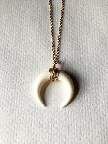 Big Horn Shaped Crescent Moon Choker Necklace