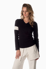 V-Neck & Accent Armband <br>Black | Winter White Armband