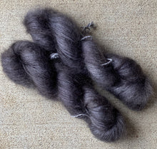 "SilkyKid Lace ""Charcoal"" - BigFootFibers"