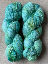 "SuperSquishySingles FingeringWeight ""SeaWeed"" - BigFootFibers"