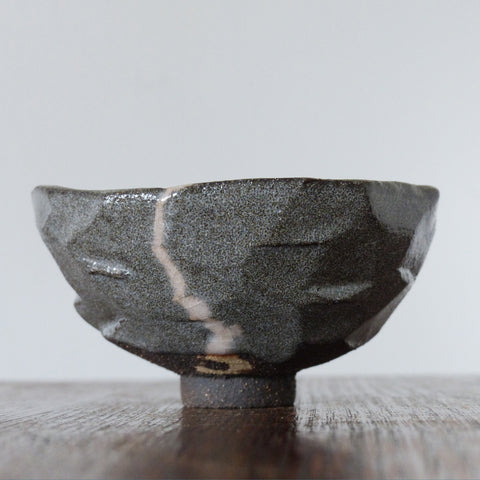 Rock Tea Bowl, Black/Blue Crackle