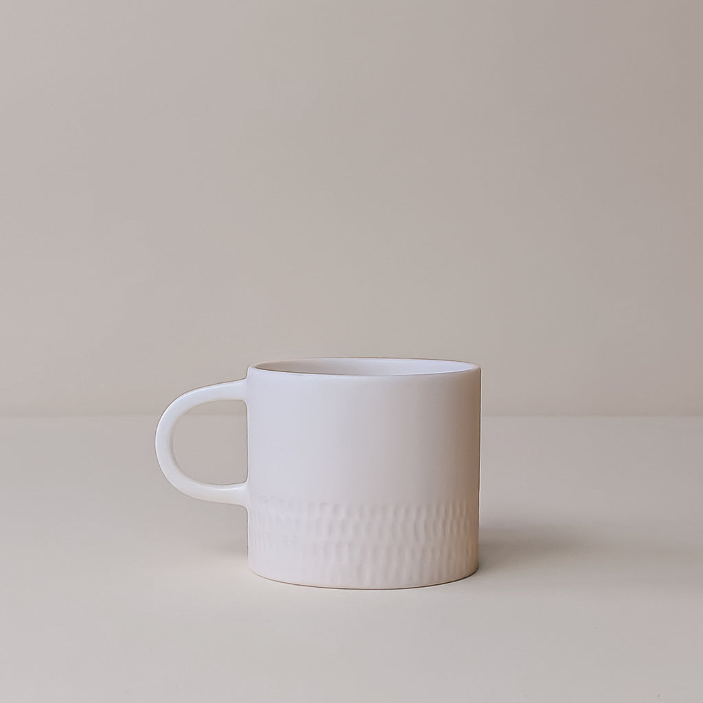 Medium Parian White Mug