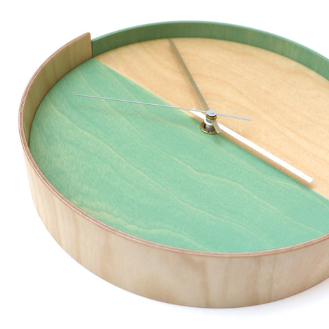Plywood Clock Green 5-11