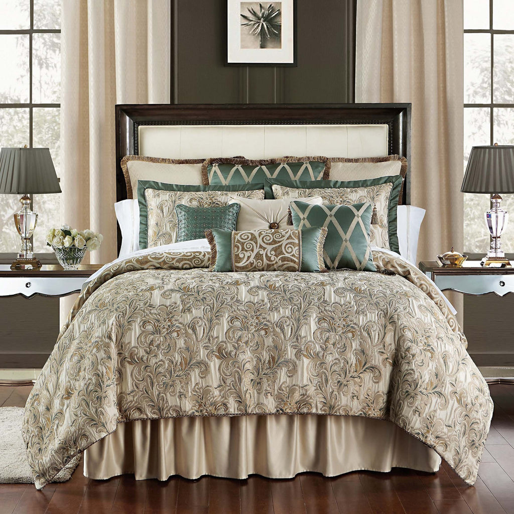 Anora Brass/Jade 4-Piece Reversible Comforter Set by Waterford [Luxury comforter Sets] [by Latest Bedding]