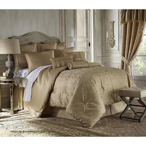 Anya Pale 4-Piece Gold Comforter Set by Waterford by Waterford [Luxury comforter Sets] [by Latest Bedding]