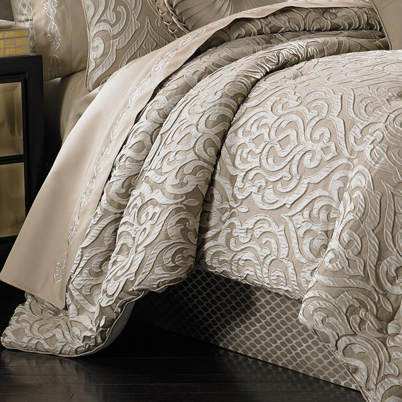 Astoria Sand 4-Piece Comforter Set [Luxury comforter Sets] [by Latest Bedding]