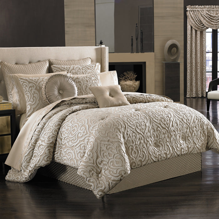 Astoria Sand 4-Piece Comforter Set