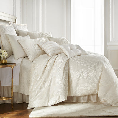 Astrid Ivory 4-Piece Comforter Set [Luxury comforter Sets] [by Latest Bedding]