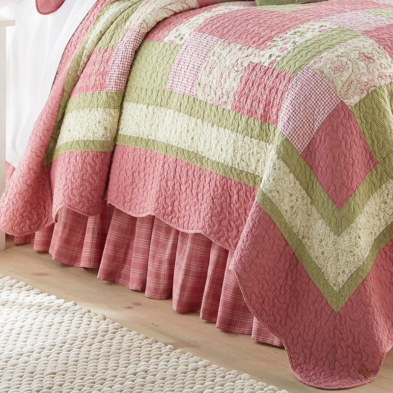 Bashful Rose 3-Piece Cotton Quilt Set [Luxury comforter Sets] [by Latest Bedding]
