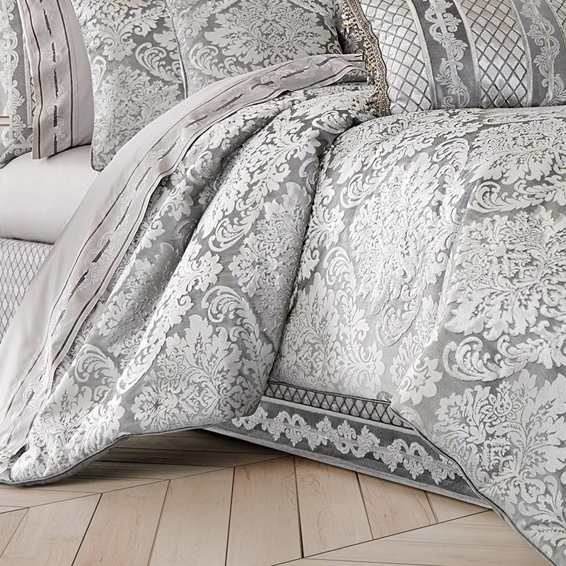 BelAir Silver 4-Piece Comforter Set [Luxury comforter Sets] [by Latest Bedding]