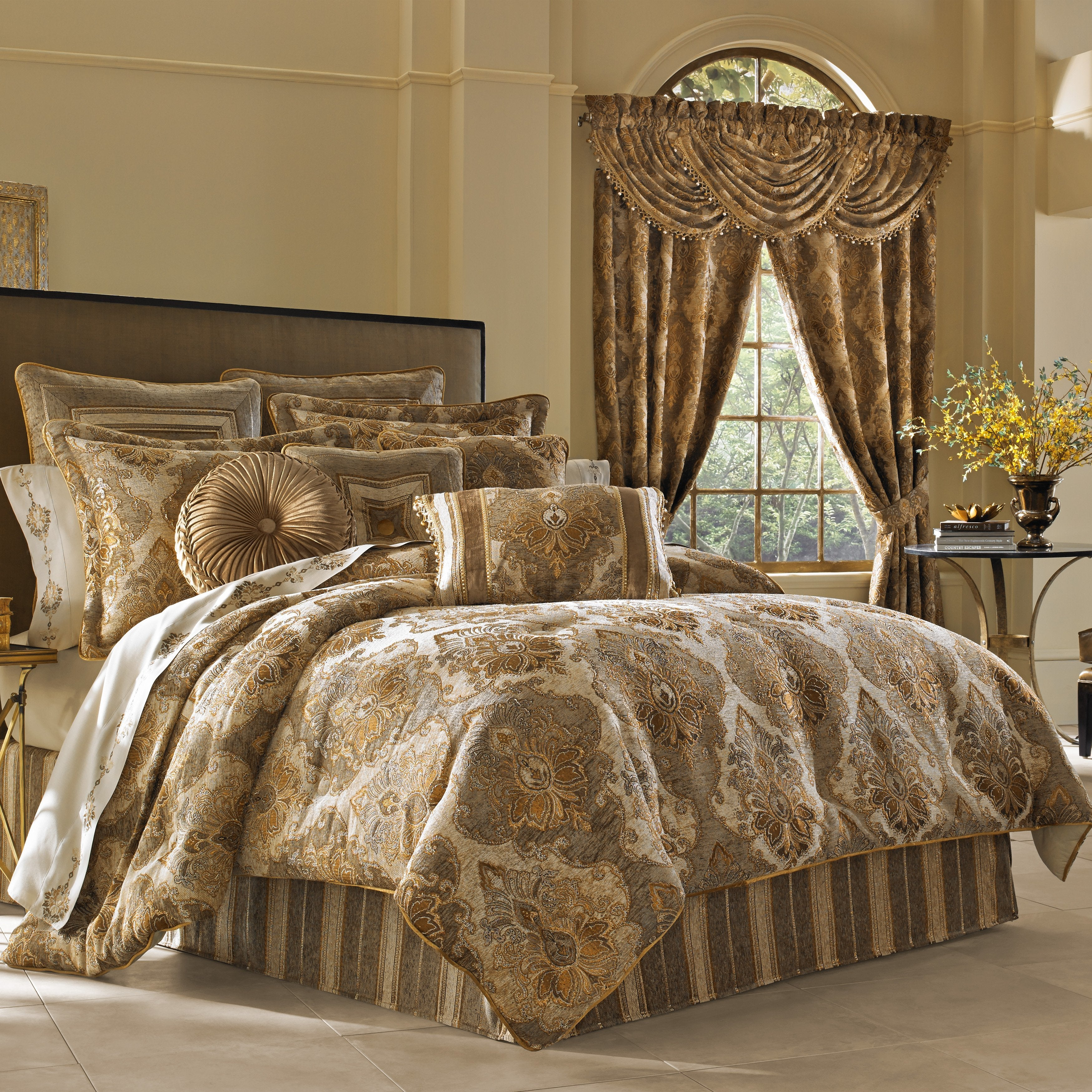 Bradshaw Natural 4-Piece Comforter Set [Luxury comforter Sets] [by Latest Bedding]