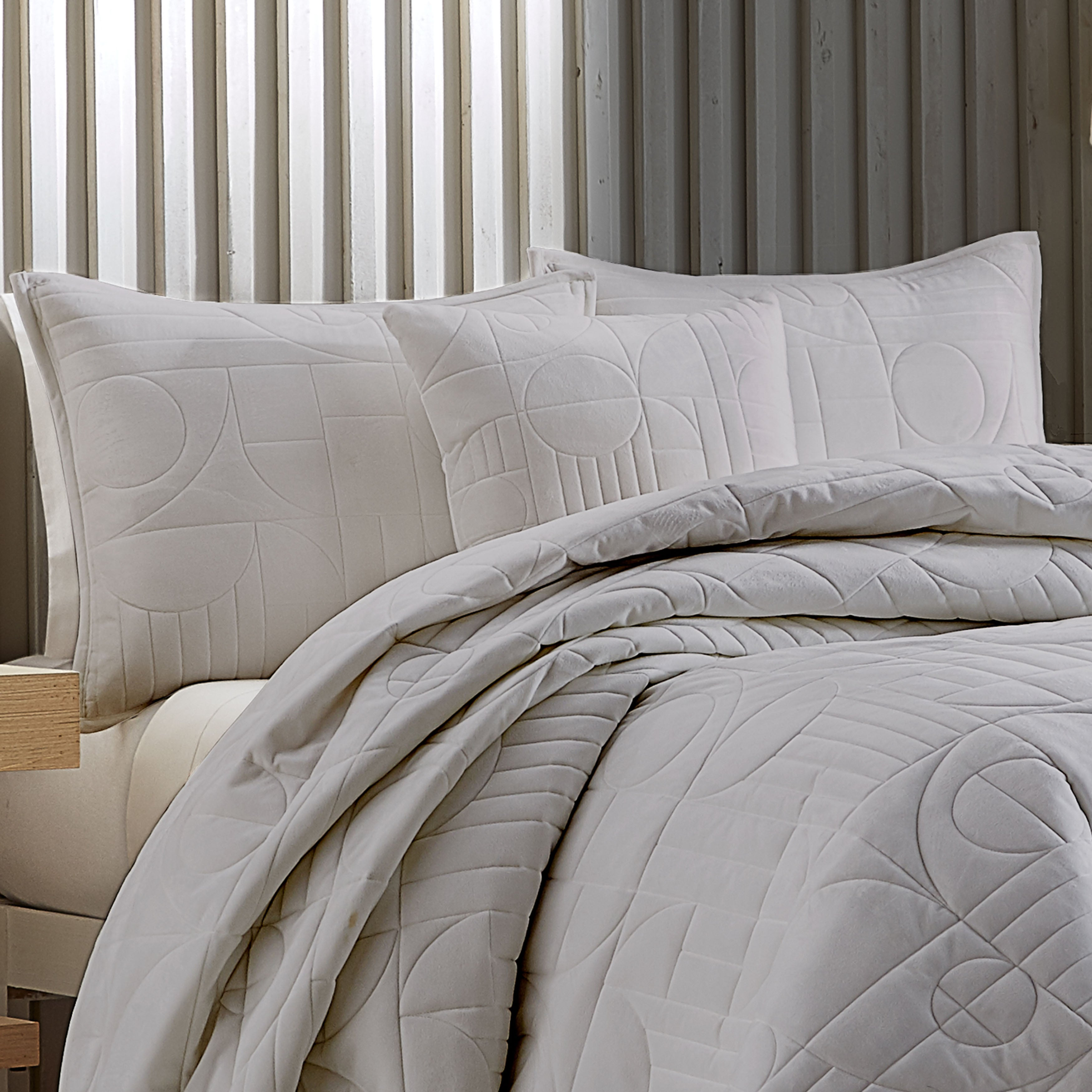 Bryant Grey Quilted Coverlet [Luxury comforter Sets] [by Latest Bedding]