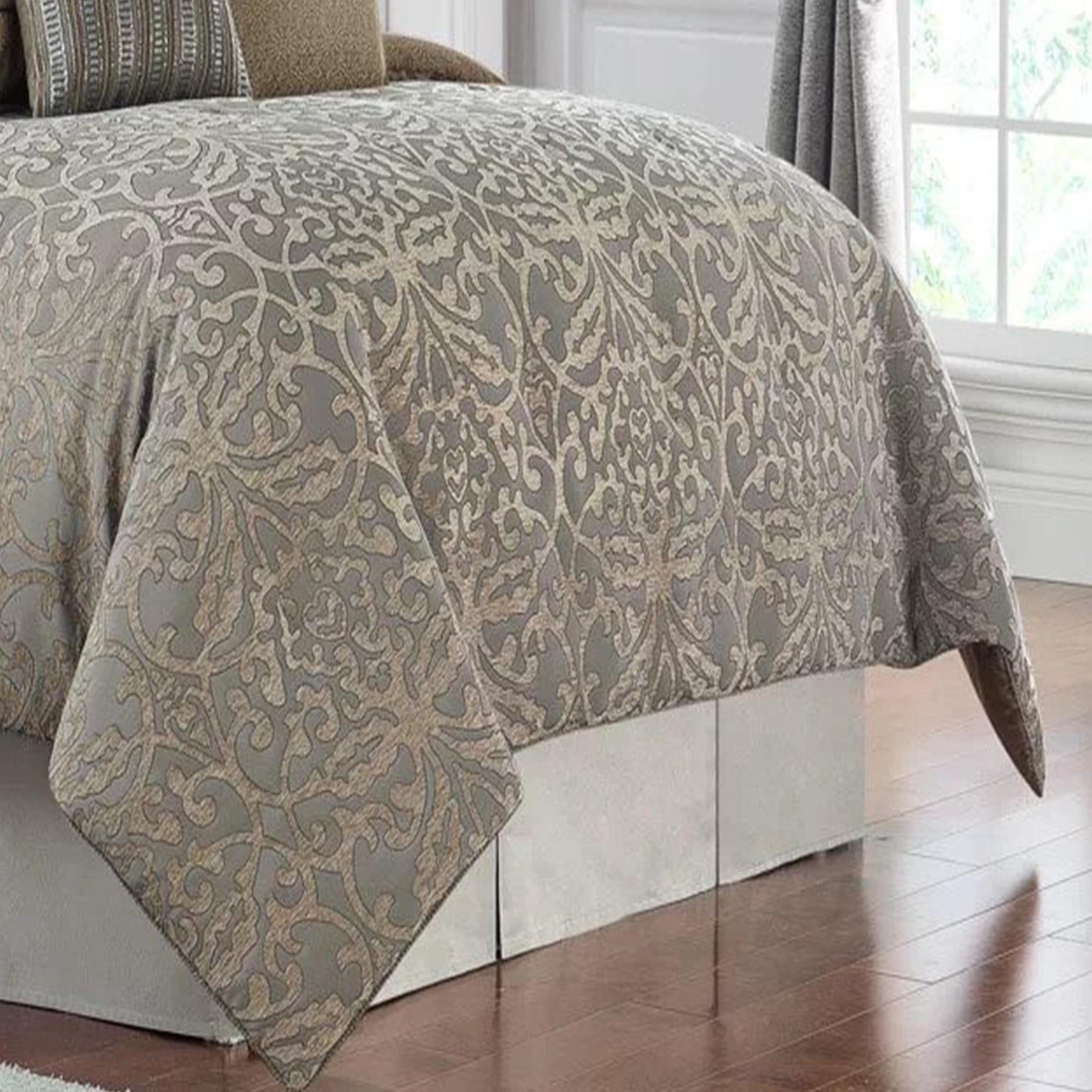 Carrick Silver/Antique Gold 4-Piece Comforter Set [Luxury comforter Sets] [by Latest Bedding]