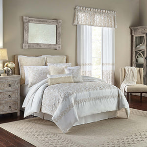 Cela Ivory 4-Piece Comforter Set By Croscill [Luxury comforter Sets] [by Latest Bedding]