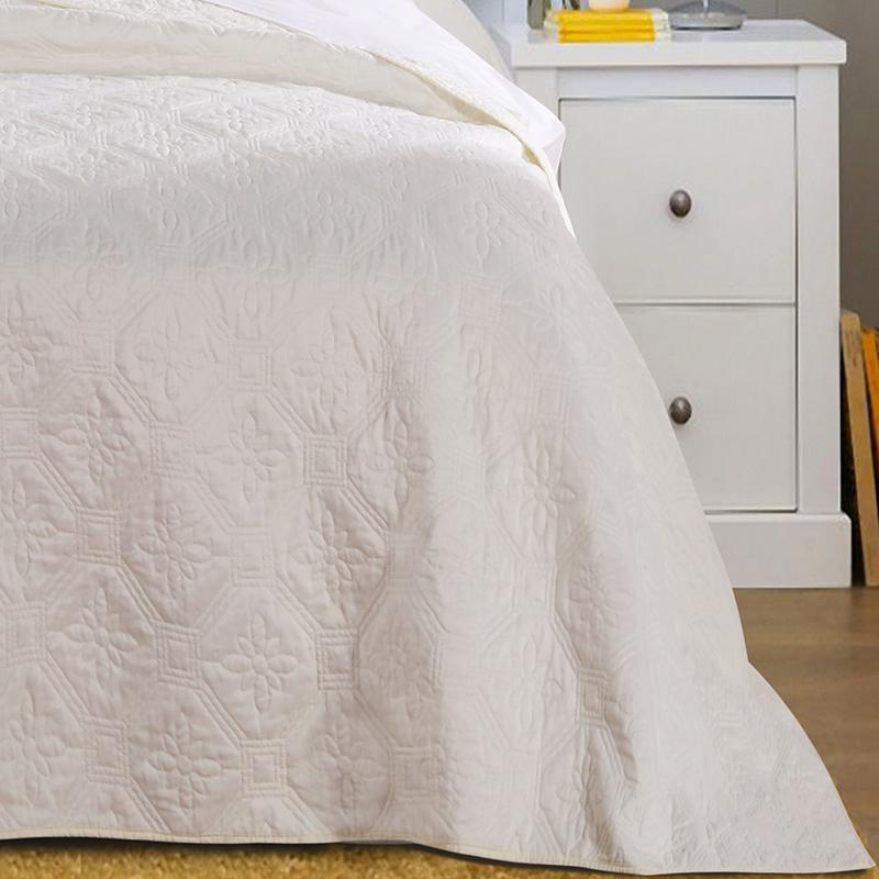 Bedspread Set Central Park Ivory 3-Piece Bedspread Set Latest Bedding